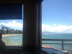 the view from the corner stool at Sea House