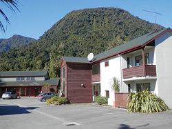 Punga Grove Motel & Suites