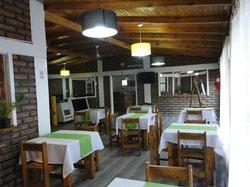 La Balsa Resto Bar