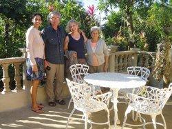 foto di gruppo con Tomasa e Janine
