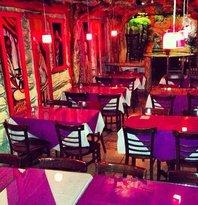 Los Primos Restaurant