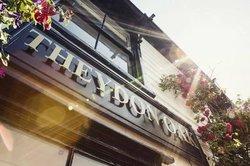The Theydon Oak Pub & Dining
