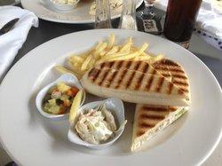 exemple de plats à la carte au restaurant de la piscine