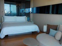 房間寬敞,King size床非常舒服