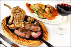 Luna Grill Restaurant