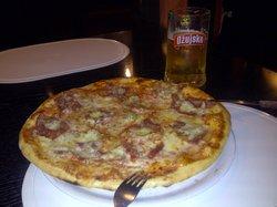 Bakra Pizzeria
