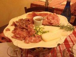 salumi misti e formaggio pecorino
