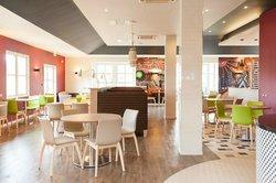 Open Lobby Restaurant Area