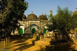 Motijheel Mosque and Cemetery