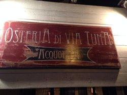 Tuna's Pub