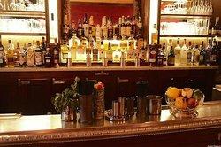 Floyd's Bar & Grill