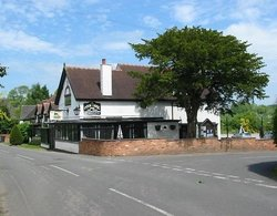 Yew Tree Inn & Lodge