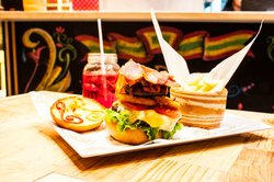 La Placita Burger Bar
