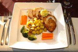 Golden Lion Bar and Restaurant