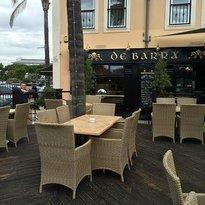 De Barra Irish Bar & Grill