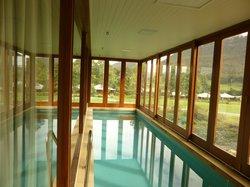 部屋の温水プール