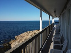 Bearskin Neck Motor Lodge
