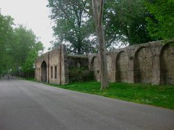 Mura farnesiane