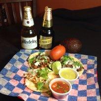 La Iguana Tacos & Burritos