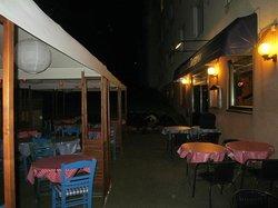 Sokrates Taverna by night