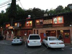 The Cats Restaurant & Tavern