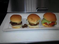 Rovi's Gourmet Burgers