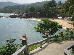 Le chemin pour rejoindre la plage ou le restaurant de plage