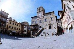 Cortona Guida Turistica Autorizzata-Silvia Vecchini - Tour Privato