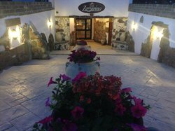 Zazzarino Restaurant