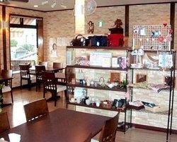 Dining Cafe Tomu