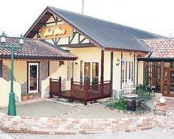 Cafe Restaurant Ban Bino
