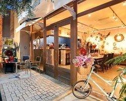 Hana Kobo & Hana Cafe