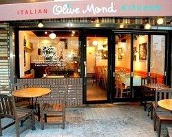 Olive Mond