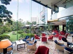 Lounge Azalea