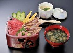 矶丸寿司(热海平和通店)