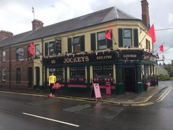 ‪The Jockeys Bar‬