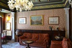 Lobby - Comfy Sofa