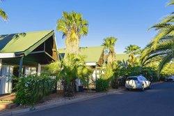 棕榈沙漠度假村