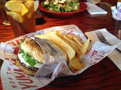 Red Robin Gourmet Burgers