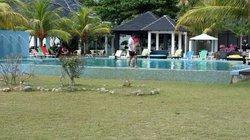Pool, bar n cafe