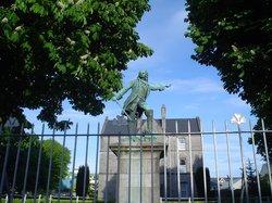 Sarsfield Memorial Statue