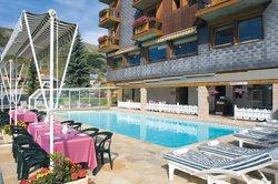 Les Soldanelles Hotel