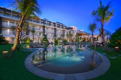 Golden Tulip Bay View Hotel and Convention