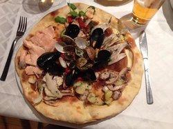 Ristorante Quattro Stagioni Da Mario Con Pizza