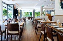 Qube Restaurant