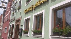 Gasthof & Metzgerei Goldener Lowe