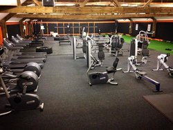 Оздоровительные/фитнес-клубы и тренажерные залы