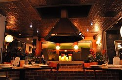 Poe Bistro Lounge