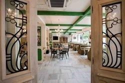 Zylinder - Cafe & Restaurant