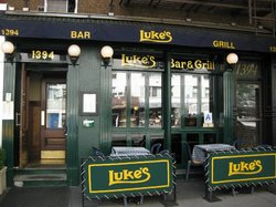 Luke's Bar and Grill